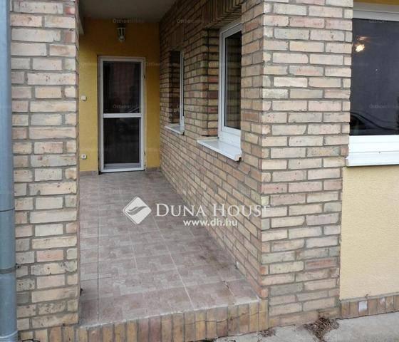 Eladó lakás Gyömrő, Tompa utca, 2 szobás