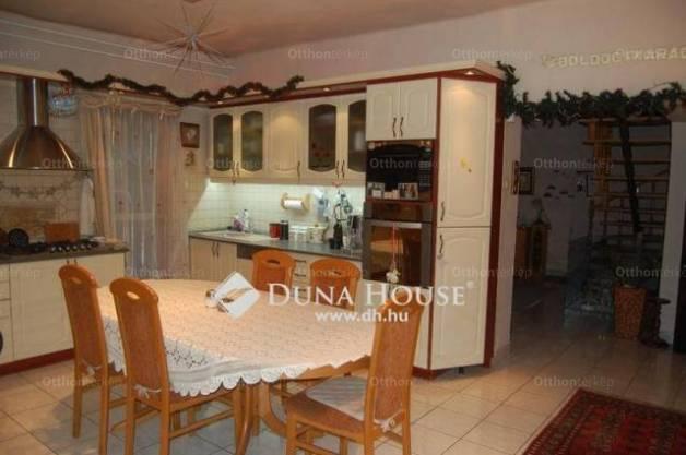 Ház eladó Gyál, a Dobó Katica utcában, 180 négyzetméteres
