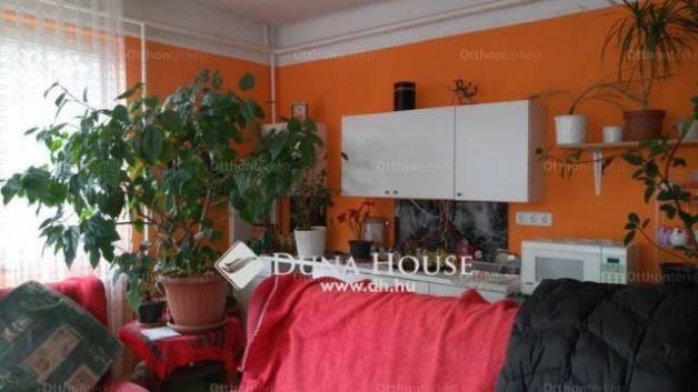 Üllő eladó ház a Pesti úton