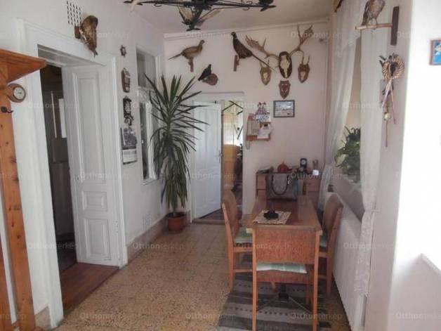 Békés 4 szobás családi ház eladó