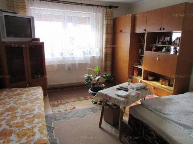 Eladó családi ház Derecske, 4 szobás