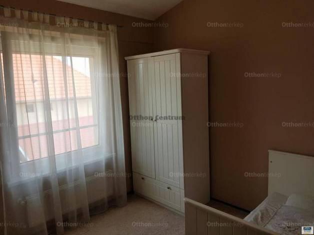 Kiadó 3 szobás ikerház Kecskemét