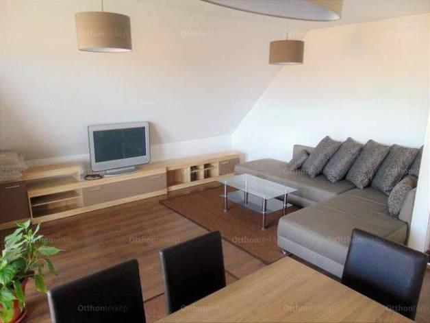 Kiadó lakás, Pécs, 3 szobás