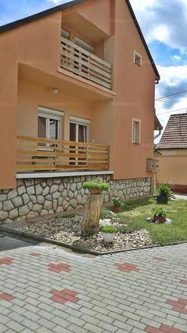 Pécs lakás kiadó, Baranya utca, 3 szobás