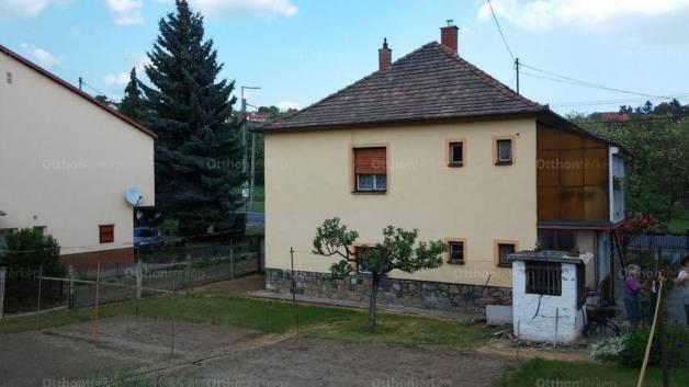 Eladó családi ház, Pécs, 5 szobás