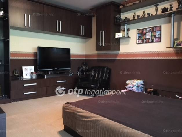Eladó 1+1 szobás lakás Szekszárd
