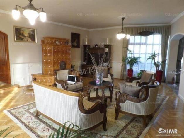 Kecskeméti eladó családi ház, 6 szobás, 300 négyzetméteres