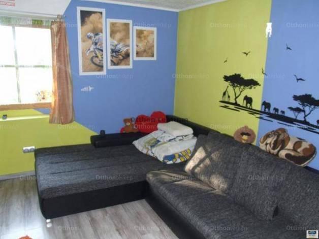 Várpalotai családi ház eladó, 122 négyzetméteres, 4 szobás