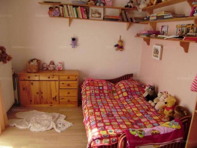 Budapest eladó családi ház Csillebércen a Magas úton, 350 négyzetméteres