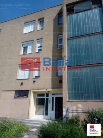Szécsény eladó lakás a Damjanich úton