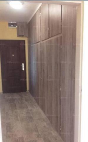 Eladó 2 szobás lakás Pécs az Építők útján