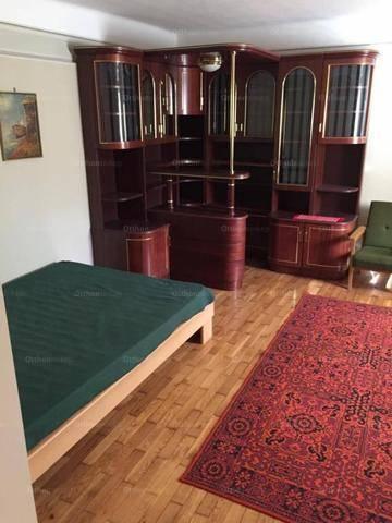 Pécsi eladó lakás, 1 szobás, 34 négyzetméteres