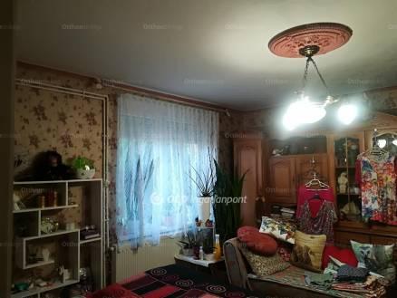 Eladó ház Szolnok, 2 szobás