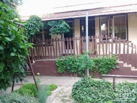 Eladó családi ház Tataháza, 5+1 szobás
