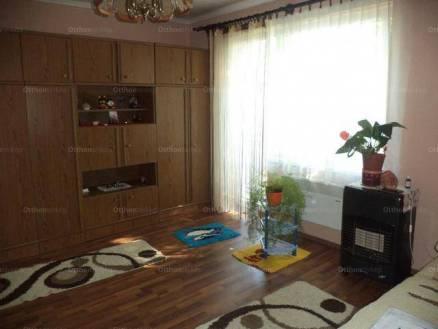 Eladó lakás Várpalota, 1 szobás