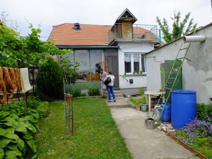Családi ház eladó Alsóörs -, 70 négyzetméteres