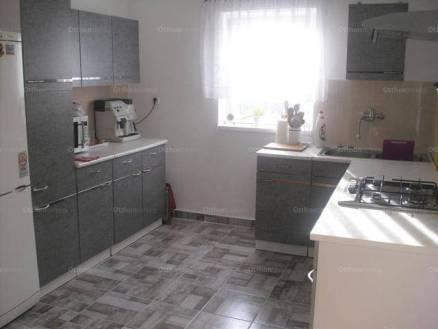 Szolnoki lakás kiadó, 56 négyzetméteres, 2 szobás