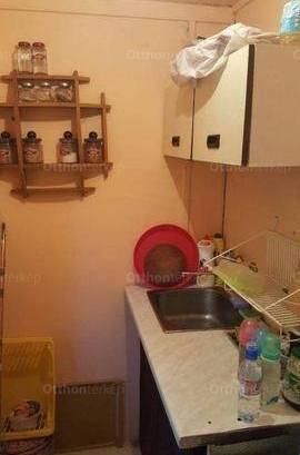 Eladó 1 szobás nyaraló Tiszakécske