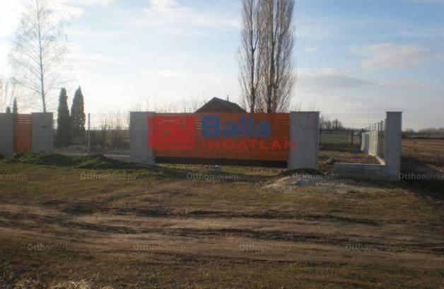 Kecskeméti eladó telek, 1400 négyzetméteres