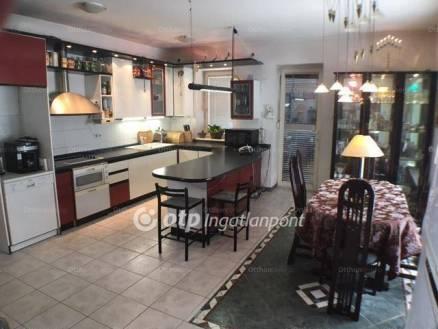 Eladó 6 szobás családi ház Alsórákoson, Budapest