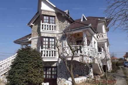 Zalakarosi nyaraló eladó, 490 négyzetméteres, 20 szobás