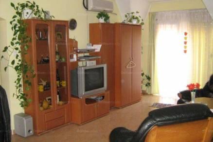 Kiadó 2 szobás lakás Pápa