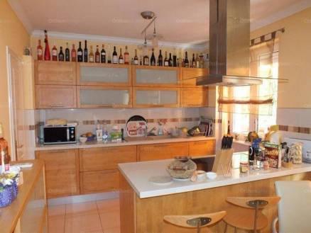 Debrecen lakás eladó, Simonyi út, 2+2 szobás