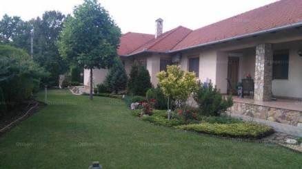 Eladó 3 szobás családi ház Dunaújváros