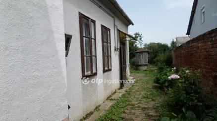 Nagykanizsai eladó ház, 1 szobás, a Dózsa György utcában