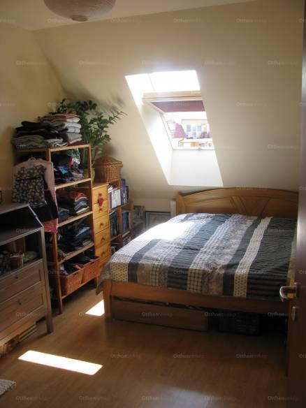 Eladó lakás Gloriett-telepen, a Margó Tivadar utcában, 1+1 szobás