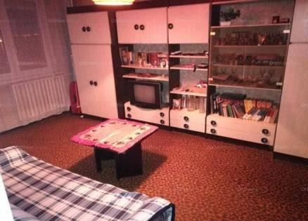 Eladó, Székesfehérvár, 2+1 szobás