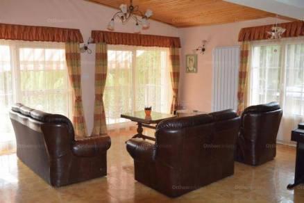 Eladó 5 szobás családi ház Baj