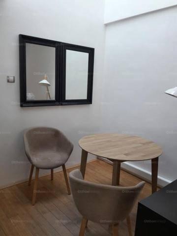 Pécsi lakás eladó, 44 négyzetméteres, 1+1 szobás