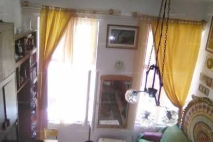 Eladó 3+2 szobás lakás Vízivárosban, Budapest, Fő utca