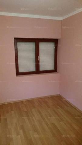Baja házrész eladó, 2 szobás