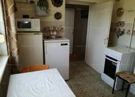 Székesfehérvár 2+1 szobás lakás eladó