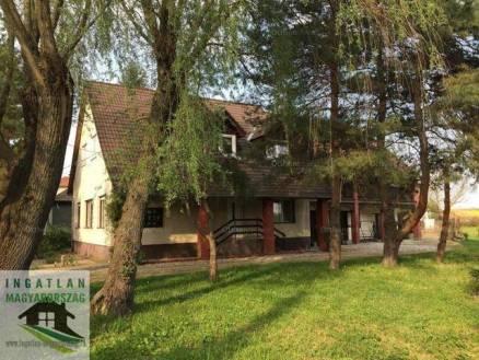 Harkány eladó családi ház