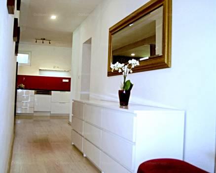 Családi ház eladó Törökbálint - Radnóti Miklós utca, 210 négyzetméteres