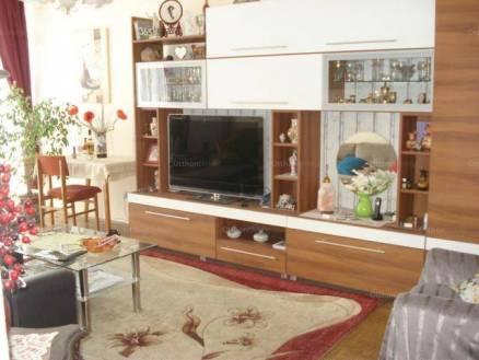 Lakás eladó Pécs, 64 négyzetméteres