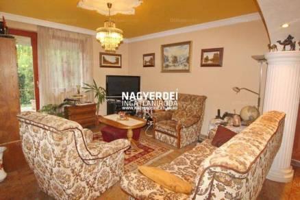 Debrecen 2+2 szobás családi ház eladó