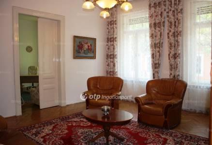 Kiadó 4 szobás lakás Székesfehérvár