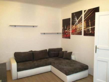 Szeged 2 szobás lakás kiadó a Zrínyi utcában
