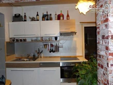 Budapest eladó családi ház, Óhegy, Alkér utca, 50 négyzetméteres