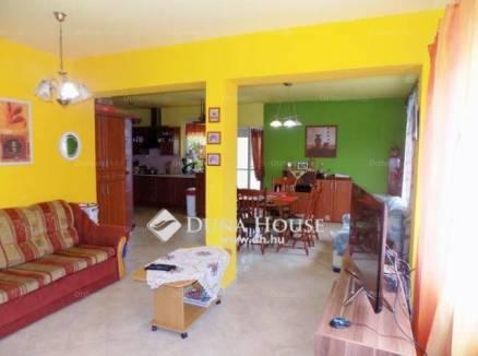 Debreceni családi ház eladó, 153 négyzetméteres
