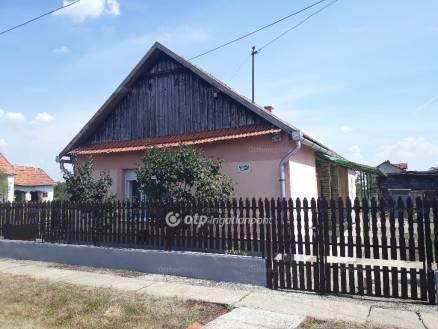 Adács ház eladó, Bem József utca, 1+2 szobás