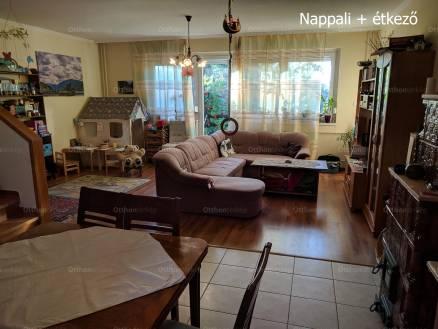 Pomáz 3+2 szobás sorház eladó a Dobó István utcában 71-ben