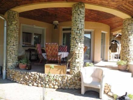 Dunaújváros 4 szobás családi ház eladó