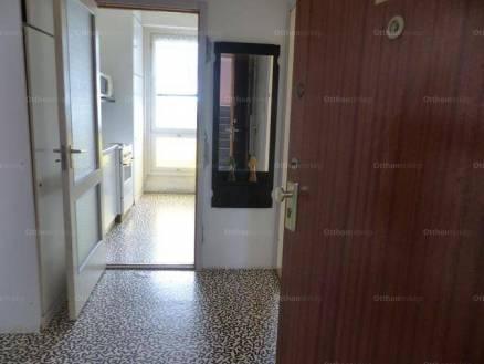 Lakás eladó Pécs, 40 négyzetméteres