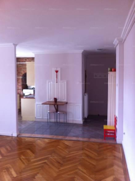 Váci lakás eladó Széchenyi István utca 30-ban, 67 négyzetméteres