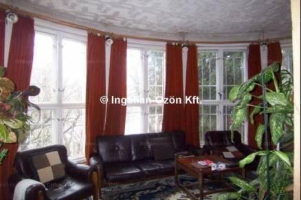 Eladó családi ház Budapest, 10 szobás